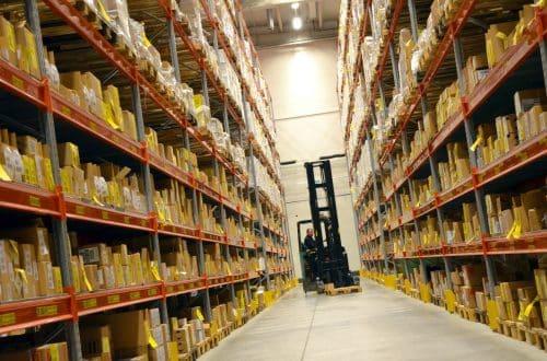 Amazon Warehuose Deal - un magazzino